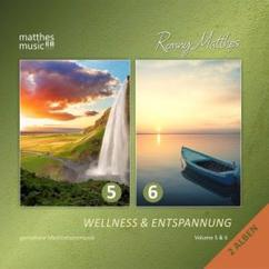 Ronny Matthes: Peaceful Minds (Relaxing Music) [Royalty Free]