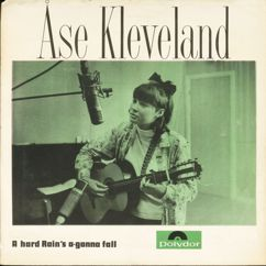 Åse Kleveland: A Hard Rain's A Gonna Fall