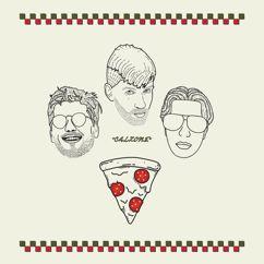 Pitsa, Reket, kohver, boipepperoni: calzone