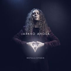Jarkko Ahola: Vain kotka lentää aurinkoon
