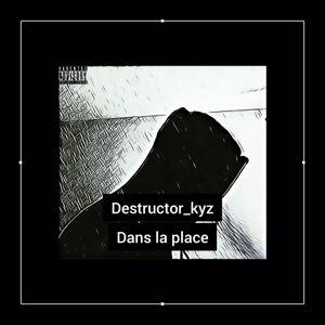 Destructor_kyz: Dans la place
