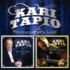 Kari Tapio: Sinivalkoinen ääni