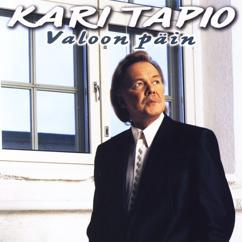 Kari Tapio: Valoon päin