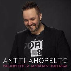 Antti Ahopelto: Minä lennän